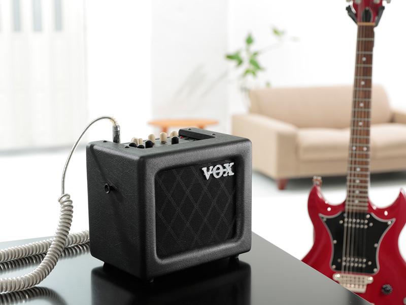 vox 3 watt mini3 lightweight portable battery powered amp binary music. Black Bedroom Furniture Sets. Home Design Ideas